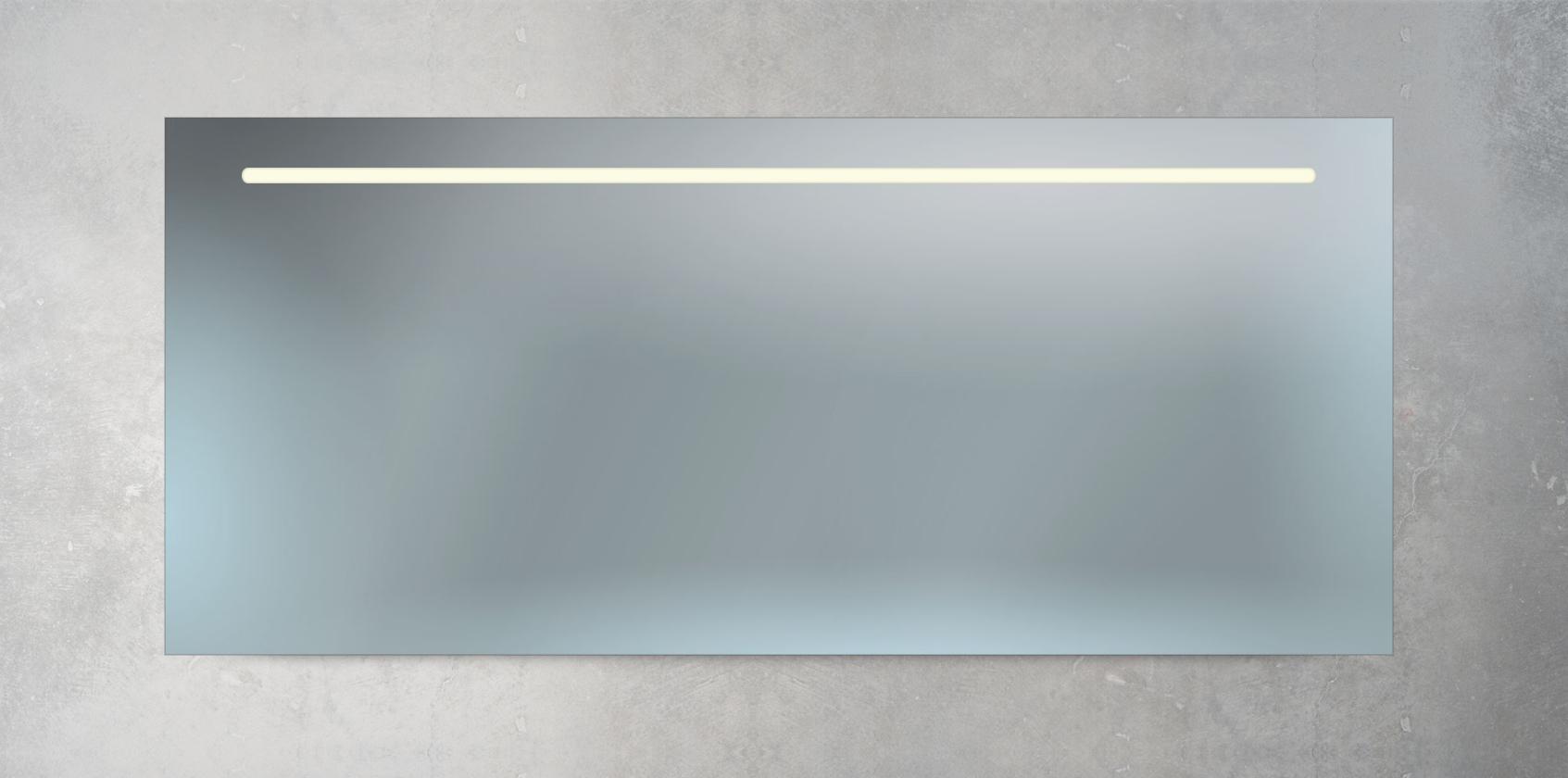 Badspiegel mit Licht