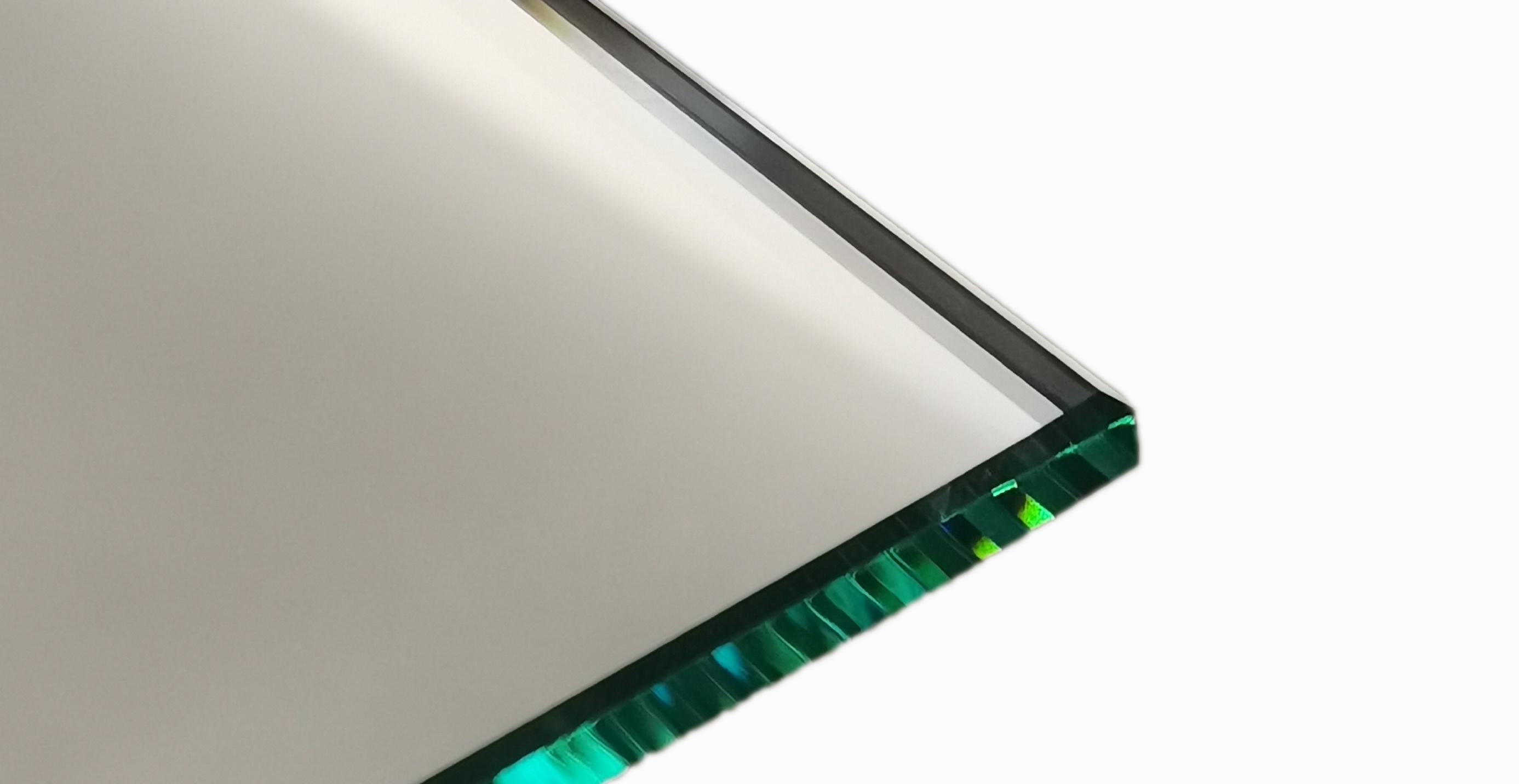 polierte Spiegelkanten